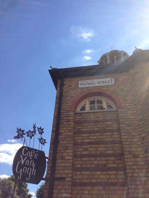 Mowll St